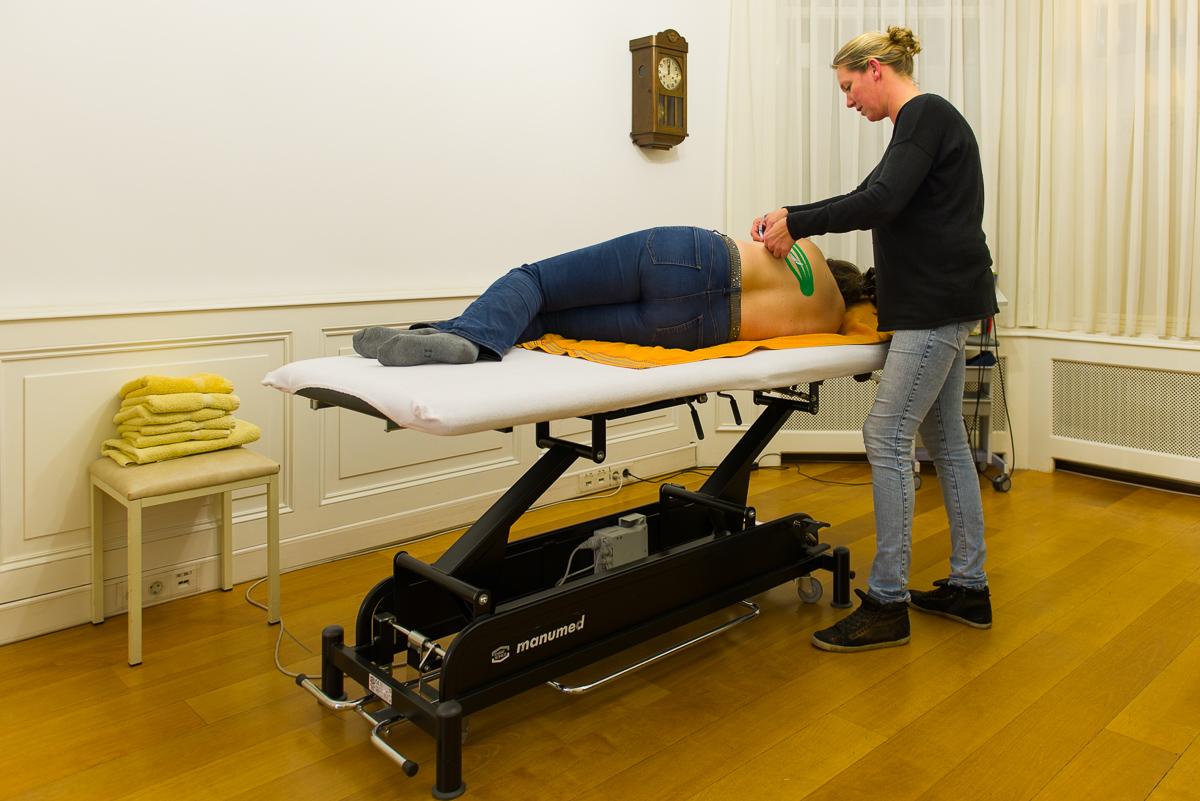 Behandeling Oedeemfysiotherapie, Fysio Statenkwartier Stadhouderslaan Den Haag, Foto door Sandra Stokmans Fotografie